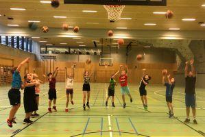 uue_basketball_10_0326